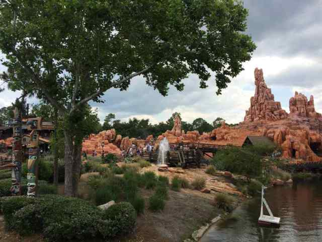 Totems, a geyser, a Big Thunder Mountain