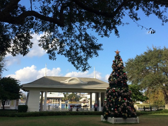 Christmas Tree on BoardWalk Lawn