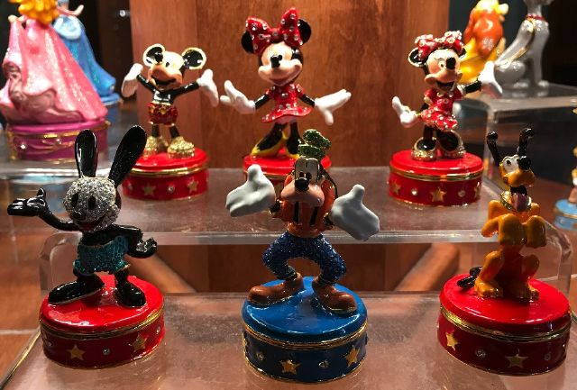 Mickey, Minnie, Oswald, Goofy, Pluto