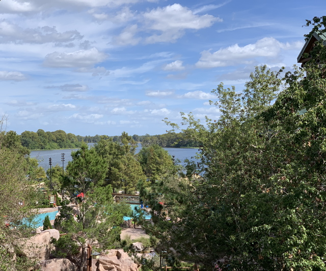 Swimming pool and no-swimming pool (Bay Lake)