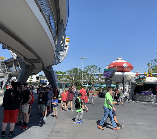 PeopleMover queue
